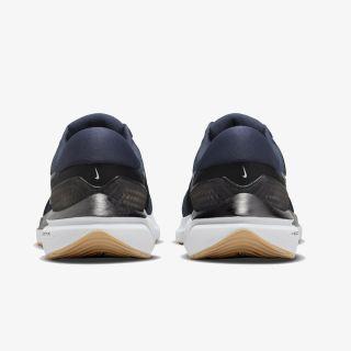 Nike Air Zoom Vomero 16