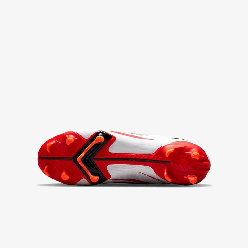 Nike SUPERFLY 8 ACADEMY CR7 FG/MG