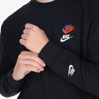 NIKE Sportswear Essentials+